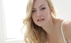 Alexa grace - (black and blonde)