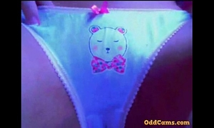 Teen masturbation and squrting in live web camera @ oddcams.com