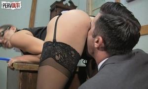 Kinky boss sadie holmes femdom tugjob oral-sex