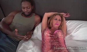 Horny blond non-professional mommy first time fucking dark knob interracial clip