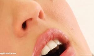 Givemepink part of sapphix present jo masturbating