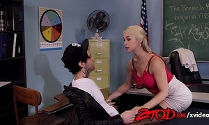 Sarah-vandella-getting-pounded-by-her-stepson-720p-tube-xvideos