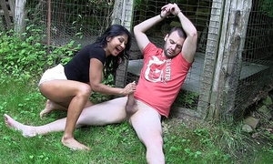 Uk indian chick gives outdoor footjob- hd
