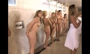Novinhas no banho