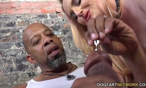 Harmoni kalifornia takes a large dark shlong in front of a cuckold