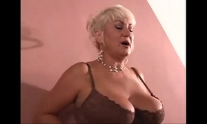 Mature woman from milfaholico .com wishes juvenile ramrod