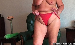 Chubby granny with saggy large meatballs and bulky arse widens fur pie