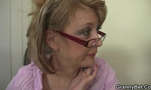 Office housewife is coercive him fuck her hard