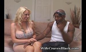 Blondie wants dark dick