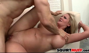 Zoey holiday squirting muff