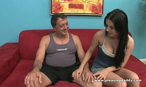 Daddy's quick engulf and tug