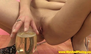 Goldenshower loving eurobabe drinks pee