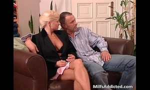 Two sexually excited milf blondes acquires cunt