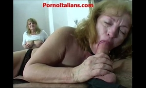 Group sex with aged strumpets sesso di gruppo con older troie