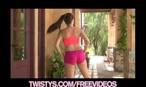 Treat of the year taylor vixen shows off her large natural pantoons