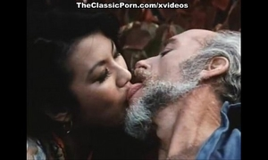 Old fellow copulates younng retro black cock slut
