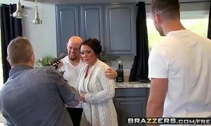 Brazzers - mama got titties - (ashton blake), (mike mancini) - pimp my mamma