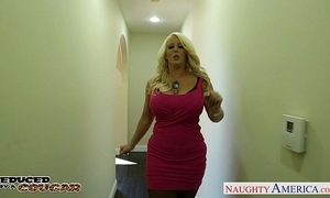 Blonde cougar alura jenson jump shlong