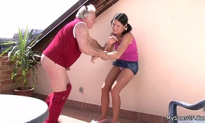 Older guy fucking younger woman from behind