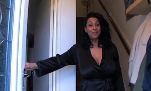 Spying on auntie danica - justdanica.com
