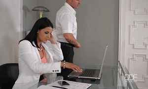 Office daydreamer copulates hot secretary in the wazoo
